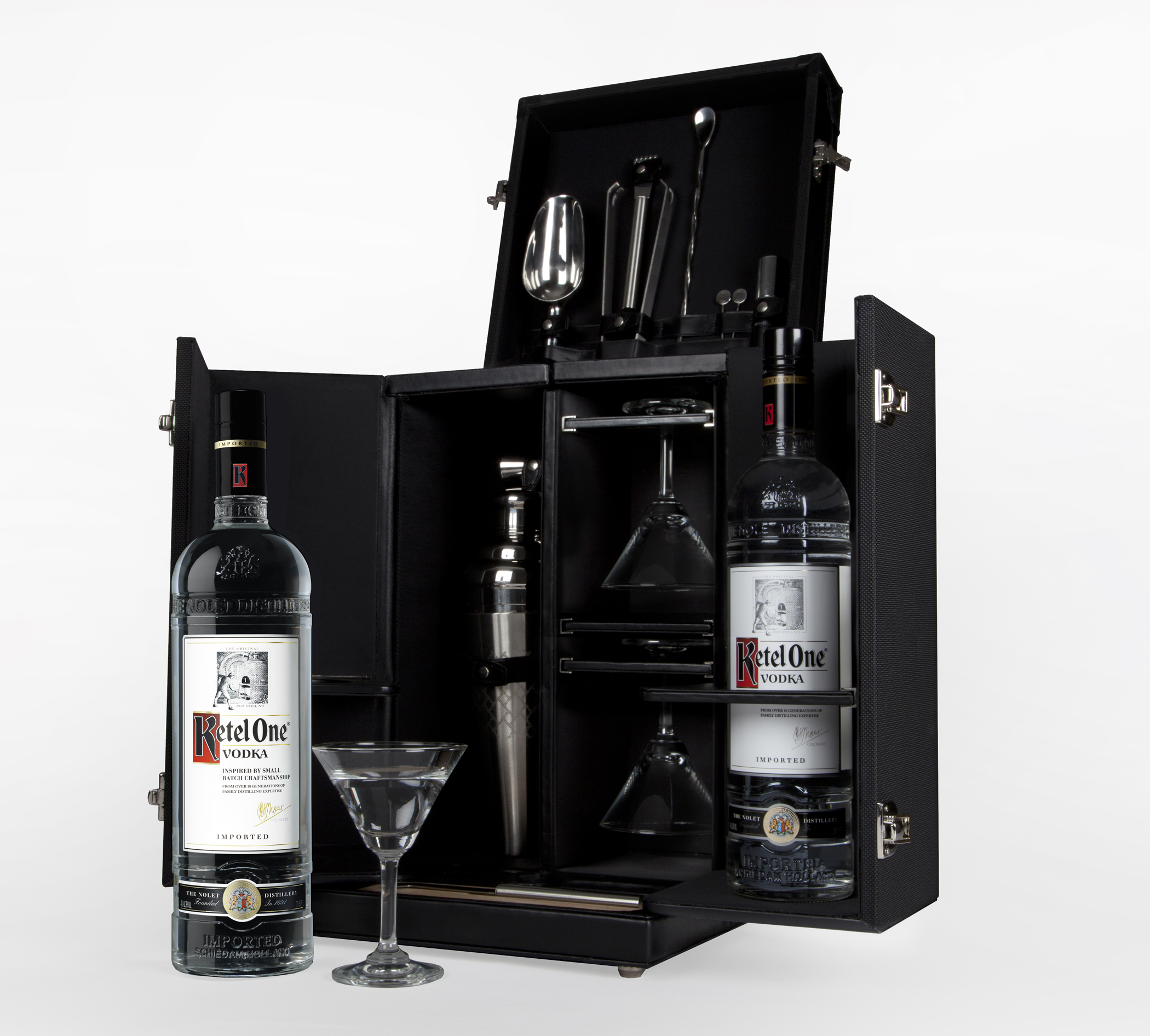 Tumi And Ketel One 174 Vodka Debut The Tumi Mixology Set